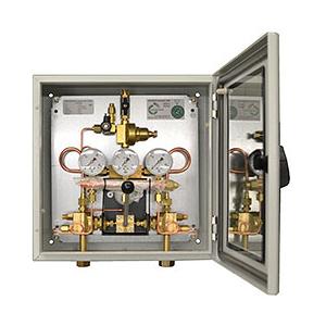 Halbautomatische-Umschaltanlage-fuer-Einzel-und-Batteriebetrieb